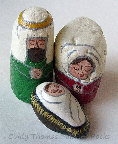 Small Green-Red Nativity Set Painted on Rocks